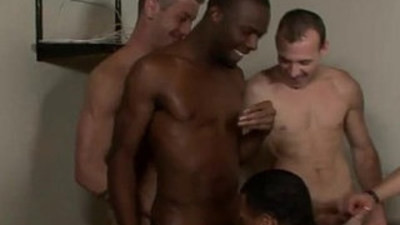 bodybuilder   boys   gangbang